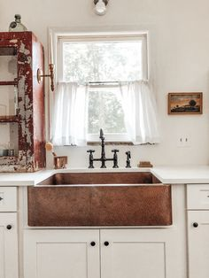 Colonial Kitchen, Farm Sink, Double Vanity, Farmhouse Decor, Cabinets, Copper, Photo And Video, Mirror, Interior