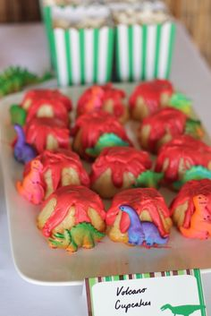 Cake at a Dinosaur Party #dinosaur #partycake