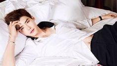 Lee Jong Suk : Singles 130822 : Lee Jong Seok Wanted to Get Married After Lee Bo Young's Engagement Lee Jong Suk Cute, Lee Jung Suk, Lee Hyun Woo, Suwon, Asian Actors, Korean Actors, Korean Dramas, Lee Jong Suk Wallpaper, Up10tion Wooshin