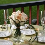 (BDx10) Romantic Peach and White Roses Table Centerpiece [Include Flower Food]
