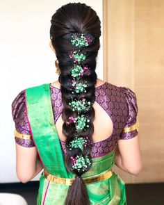 South Indian Hairstyle, South Indian Wedding Hairstyles, Bridal Hairstyle Indian Wedding, Bridal Hair Buns, Bridal Hairdo, Braided Hairstyles For Wedding, Hairstyle For Long Hair, Saree Hairstyles, Bride Hairstyles