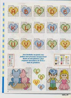 Alfabeto dentro de corazones, para punto de cruz.