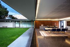 Sunny Example of Australian House Design - InteriorZine