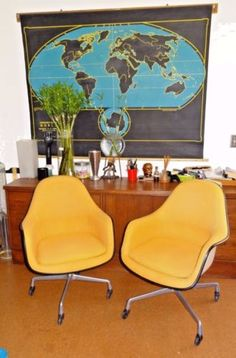 Early Eames fiberglass DAX armchair with rope edge on original