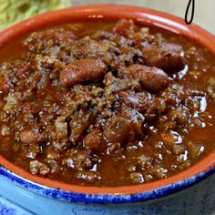 Here is the BEST EVER Homemade Chili Recipe - it is SO easy too! I've got tips for making sure the meat tastes amazing and a couple secret ingredients! Tvp Recipes, Chilli Recipes, Gourmet Recipes, Snack Recipes, Cooking Recipes, Easy Recipes, Recipies, Dinner Recipes, My Favorite Chili Recipe