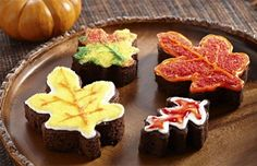Check out the fall foliage and snack on these insprired treats! #yum (Thanks for pinning, @sprinklesngrins)@sprinklesngrins)