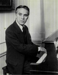 """Chaplin believed his first influence to be his mother, who would entertain him as a child by sitting at the window and mimicking passers-by: """"it was through watching her that I learned not only how to express emotions with my hands and face, but also how to observe and study people."""""""