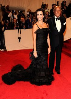 Penelope Cruz wore a stunning black gown by Oscar de la Renta at the Costume Institute Gala at The Metropolitan Museum of Art as she walked the red carpet with Oscar de la Renta on May 2, 2011 in New York.