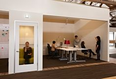 Private room next to collaborative space. Everyone needs a place to get away. IDEO San Francisco Offices   Jensen Architects