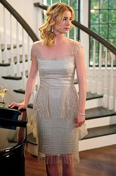This dress looks amazing on film, the net material looks very delicate and sparkly. Emily van Camp as Emily Thorne on Revenge. Serie Revenge, Emily Revenge, Emily Thorne, Emily Vancamp, Fashion Tv, Revenge Fashion, Sharon Carter, Special Occasion Outfits, Business Outfit