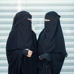 We have the best material for niqab inshaaAllah. Siapa peminat tegar niqab yaman? Ce kongsi sikit korang punya pendapat.. #hadramiyahlovers