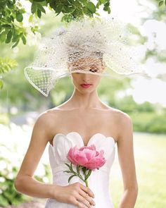 this hat/veil is amazing