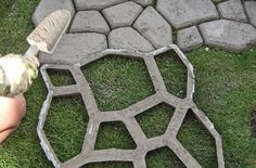 DIY Paved Patio - the Quikrete Walk Maker