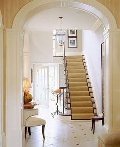 Barry Dixon Just love the whole look from the entrance way Rose House, Entry Foyer, Front Hallway, Entrance Ways, Entryway Furniture, Common Area, Beautiful Architecture, Home Fashion, Cottage Style