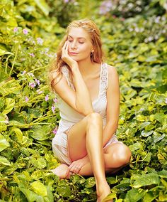 Elizabeth Mitchell, aka Dr Juliet Burke. Just as beautiful as ever!
