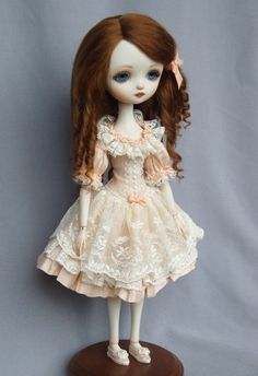 """Dragonfly Works (Ana Salvador) doll """"Julie"""", brunette"""