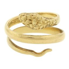 Pre-owned 18K Yellow Gold Carved Snake Serpent Spiral Ring ($495) ❤ liked on Polyvore featuring jewelry, rings, vintage gold rings, vintage gold jewelry, spiral ring, gold jewelry and gold spiral ring