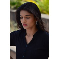 Image may contain: 1 person Beauty Full Girl, My Beauty, Beauty Stuff, Hd Photos, Girl Photos, Actress Pics, Beautiful Girl Photo, Bollywood Fashion, Indian Bridal