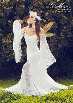 Isabella Backless Beach or Medieval Wedding Gown with Detachable Sleeves on Wane. Isabella Backless Beach or Medieval Wedding Gown with Detachable Sleeves on Wanelo. Pagan Wedding Dresses, Renaissance Wedding Dresses, Wiccan Wedding, Medieval Wedding, Celtic Wedding, Gothic Wedding, Wedding Dress Sleeves, Wedding Gowns, Dream Wedding