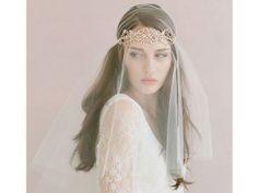 Las novias veladas y con coronas estarán de los más hot este 2014. Foto: #bodas #tendencias #velo #novia #2014