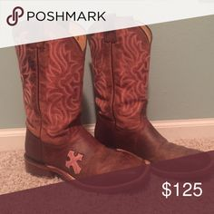 Tony Lama San Saba Cowgirl Boot Bought as part of a bridesmaid outfit in June 2015; worn maybe twice since then. Super comfortable with very minimal sole wear. All-leather upper with cushioned insole. Tony Lama Shoes Heeled Boots