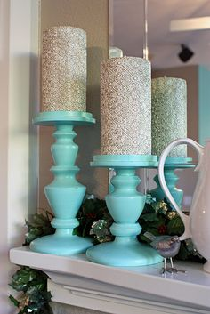 Aqua and glittery silver candles.maybe in a green not aqua Tiffany Blue Bedroom, Verde Aqua, Azul Tiffany, Christmas Mantels, Christmas Decorations, Blue Christmas, Turquoise Christmas, Pillar Candles, Grey Candles