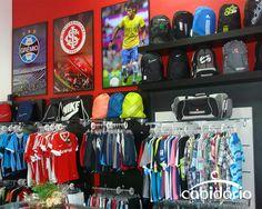 Conjunto Click-encaixe e Conjunto Tagli  para expor confecções. Saiba mais em: http://cabidario.com.br/catalogo-2013/