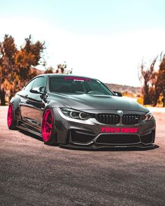 BMW F82 M4 grey slammed