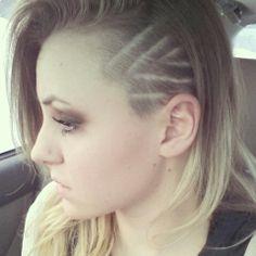 #hair #shavedside #shaveddesigns #designs #girlshavedhair #onesideshaved hair. Shaved side. Shaved designs. Girl with one side shaved. Cosmo. Hair.
