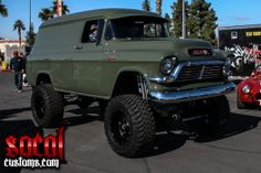 Lifted Classic Chevy Suburban