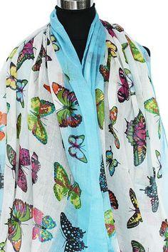 Zomersjaal wit en blauw met gekleurde vlinders