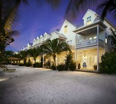 The 4 Star Parrot Key Hotel & Resort will make you feel like you're at a luxury home on the water in Key West.  #keywest