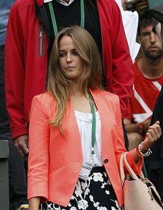 Kim Sears wearing Ted Baker's Simita jacket at Wimbledon to cheer on Andy Murray