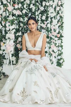 Wedding Outfits For Women, Indian Wedding Outfits, Indian Outfits, Pakistani Bridal Wear, Bridal Lehenga, Indian Bridal, Indian Attire, Indian Ethnic Wear, Indian Designer Outfits