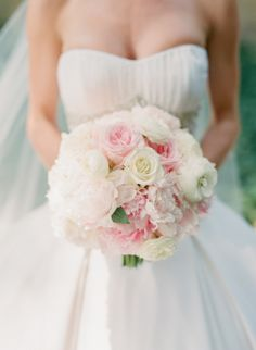 Pale Pink and White Bridal Bouquet | photography by http://jen-and-jonah.com