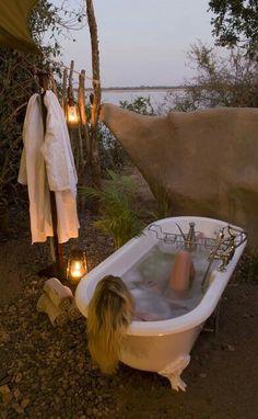 New Bath Room Ideas Boho Outdoor Baths Ideas Outdoor Bathtub, Outdoor Bathrooms, Outdoor Showers, Garden Bathtub, Glamping, Outdoor Spaces, Outdoor Living, Magic Places, Shower Tub