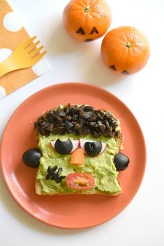 What a fun way to celebrate Halloween with these Frankenstein Avocado Toasts!
