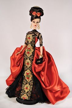 """OOAK Barbie named """"Red Passion in Sevilla"""" (Mario Paglino and Gianni Grossi). Barbie Gowns, Barbie I, Barbie World, Barbie And Ken, Barbie Clothes, Barbies Dolls, Poppy Parker, Barbie Collector, Little Doll"""