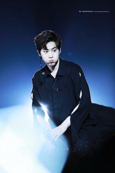 Suho - 170212 Exoplanet #3 - The EXO'rDium in Hong Kong Credit: MoonMinMyun. Chanyeol, Kyungsoo, Exo Korea, 5 Years With Exo, Kim Joon Myeon, Exo Official, Baekyeol, Korean Boy, Exo Ot12