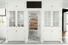 5 Steps to An Organized Pantry with Neat Method and The Container Store Pantry Storage Containers, Pantry Organization, Organized Pantry, Organizing, Pantry Ideas, Huge Kitchen, Kitchen Pantry, Kitchen Reno, Layout Design