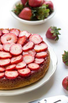 Strawberry Almond Flour Cake via @kingarthurflour