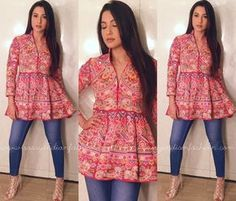 How to Look Ethnic in Jeans, Indo Western Outfit Idea with Jeans. Western Dresses, Indian Dresses, Indian Outfits, Short Kurti Designs, Kurta Designs, Indian Designer Outfits, Designer Dresses, Kurti With Jeans, Short Frocks