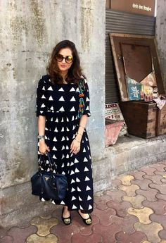 Black and white kurthi Indian Attire, Indian Wear, Kurta Designs, Blouse Designs, Indian Dresses, Indian Outfits, Ethnic Chic, India Fashion, Indian Designer Wear
