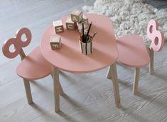 Conjunto de mesa y silla para niños Kids Table And Chairs, Kid Table, Wooden Furniture, Kids Furniture, Corner Shelf Design, Big Girl Rooms, Kids Decor, Home Decor, Wood Toys
