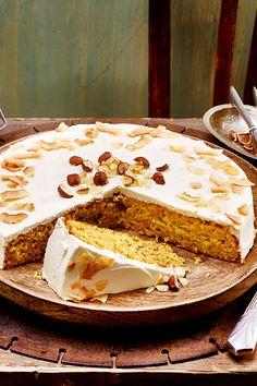 Nut cake with cream cheese cream - Kuchen-Liebe - Cake Design Cheesecakes, Simple Cake Designs, Cookie Bakery, Cake With Cream Cheese, Easy Cake Recipes, Cheesecake Recipes, Good Food, Food And Drink, Sweets