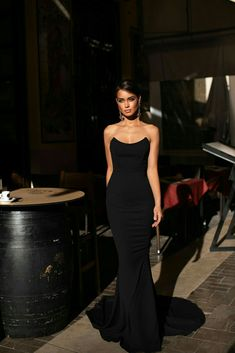 Gulsina - Black Strapless Mermaid Gown with Scoop Neckline Source by dresses Gala Dresses, Event Dresses, School Formal Dresses, Prom Outfits, Mode Outfits, Trendy Outfits, Ny Dress, Dress Long, Strapless Formal Dress