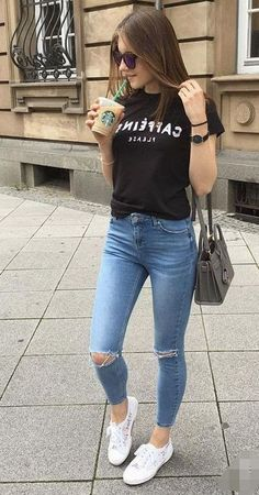 21 outfits with casual fashion glamhere com fashion beautiful womensfashion casual streetstyle hairstyles jeans tshirt outfits para la universidad! Crop Top Outfits, Cute Casual Outfits, Simple Outfits, Stylish Outfits, Teen Fashion Outfits, Look Fashion, Womens Fashion, Feminine Fashion, Trendy Fashion