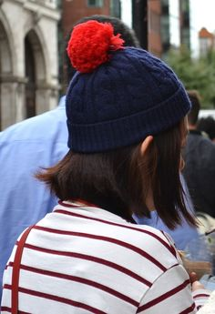 Bobble Hat Bobble Hats, Scarfs, Winter Hats, Stripes, Street Style, Trends, How To Wear, Hair, Color