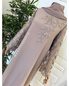 You can reach Yeni& for information and order via WhatsApp Hijab Evening Dress, Hijab Dress Party, Hijab Style Dress, Modest Fashion Hijab, Abaya Fashion, African Fashion Dresses, Abaya Mode, Mode Hijab, Fancy Wedding Dresses