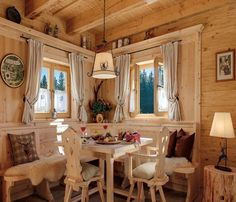 interior of sailboat decorated like a swiss chalet Chalet Design, Cabin Homes, Log Homes, Cottage Design, Cottage Style, Chalet Interior, Swiss Chalet, Alpine Chalet, Interior Decorating